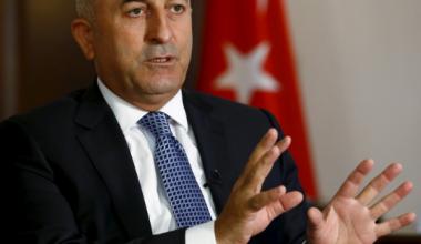 Mevlüt Çavuşoğlu'ndan göç anlaşması resti