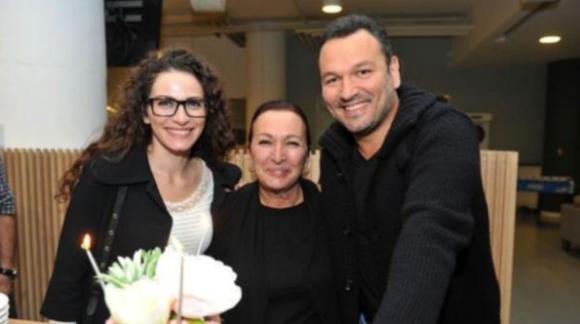 Kemal Sunal'ın kızı Ezo Sunal müzisyen Ömer Öztüyen evlendi