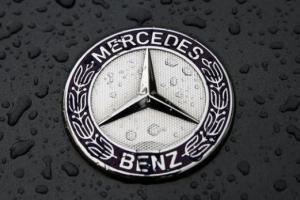 Volvo`nun sahibi, Mercedes`in yüzde 10`unu aldı