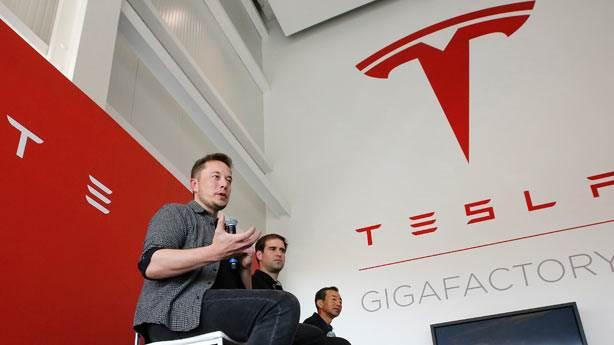 Elon Musk'ın şirketi Tesla iflasın eşiğinde mi?