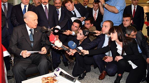 MHP Lideri Bahçeli: Abdullah Gül'ün ikazlara uyması lazım