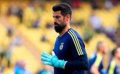 Fenerbahçe tribünlerinden futbolculara gönderme!