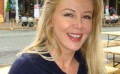 Eski manken Monica McDermott intihar etti!