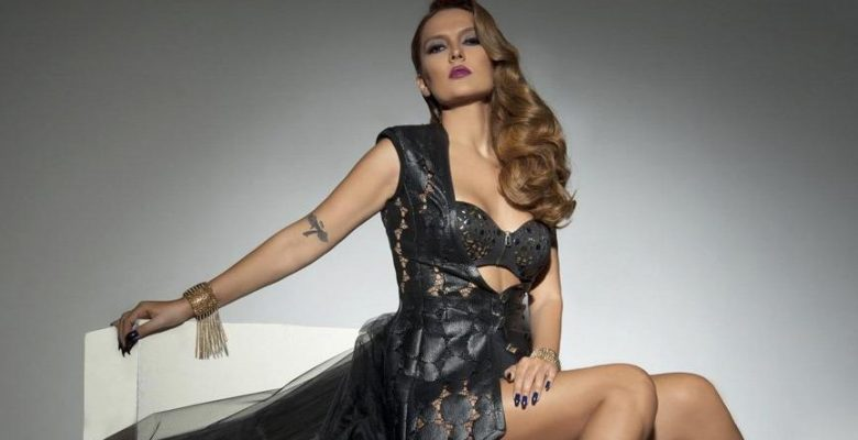 Demet Akalın'dan Madonna'ya stil dersi