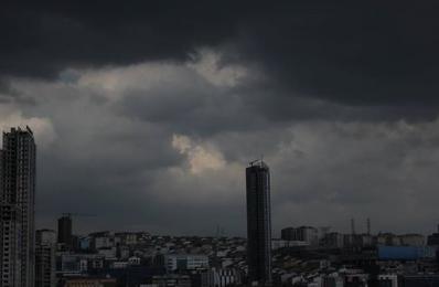 Burası İstanbul: Gündüz geceye döndü