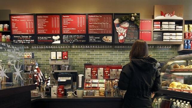 Starbucks 260 şubesini devrediyor