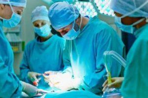 Burun estetiği ameliyatı için girdiği hastaneden cenazesi çıktı