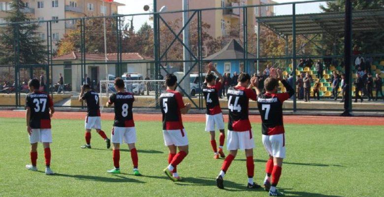Futbolcular sınava gidince maç 9 dakikada bitti!