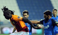 Ata Demirer Galatasaray'ın yeni transferi Mbaye Diagne'yi eleştirdi