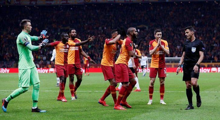 G.Saray-Benfica maçında skandal penaltı kararı!