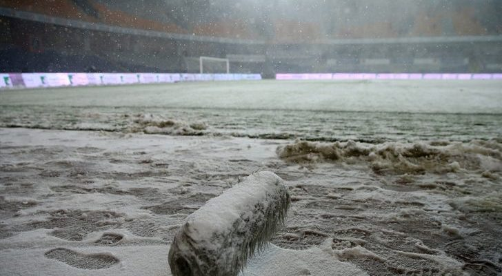 Galatasaray'dan Başakşehir'e kar göndermesi!