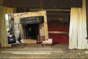Ekrem  İmamoğlu'ndan Muammer Karaca Tiyatrosu müjdesi